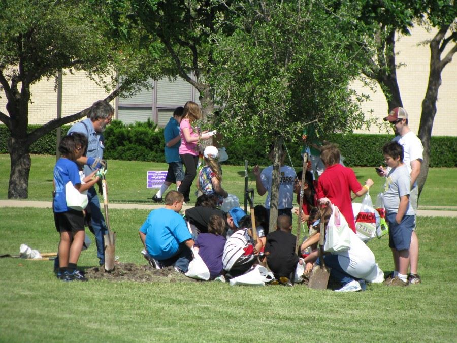 Arbor Day 2011 kids gathered